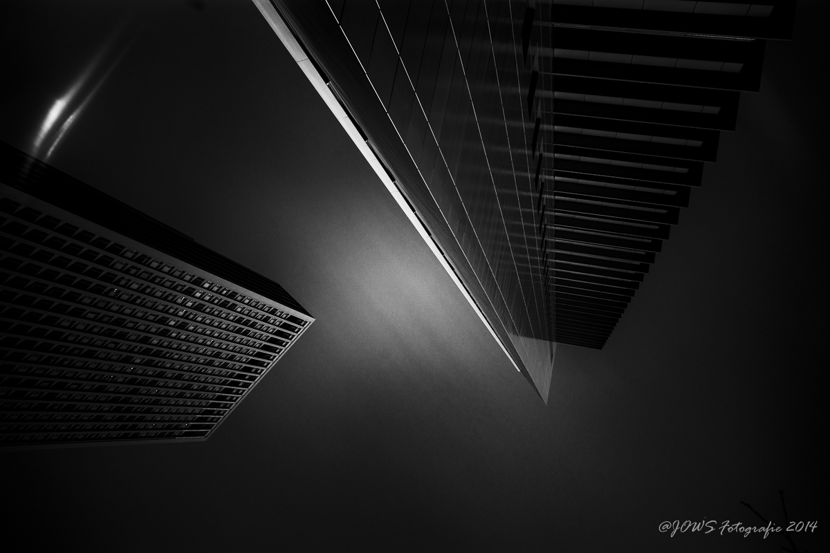Schwarz-Weiße Langzeitbelichtungen von Architektur
